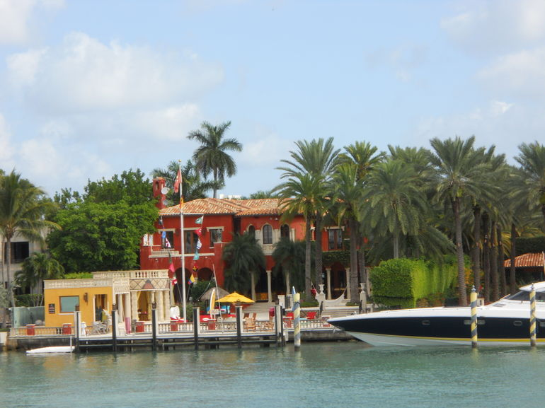 Spotting celebrity homes on the cruise - Miami