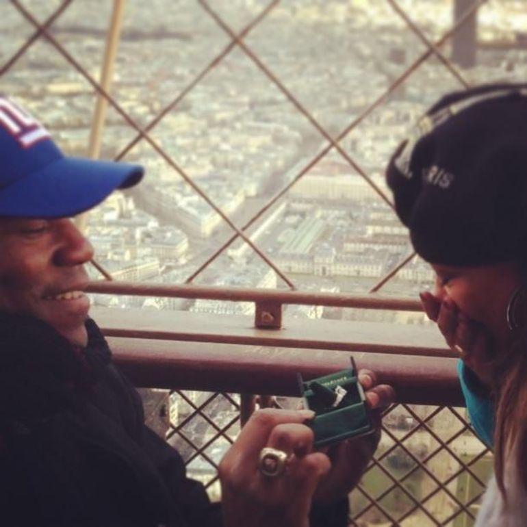 Surprise proposal Top of the Eiffel tower - Paris