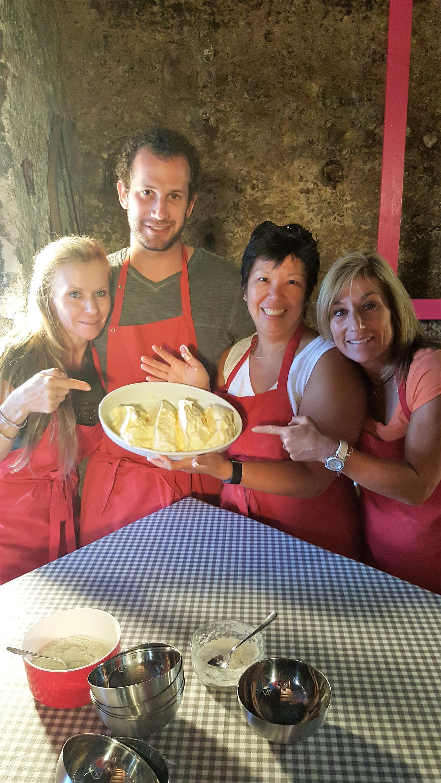 MAIS FOTOS, Austrian Apple Strudel Cooking Class including Lunch