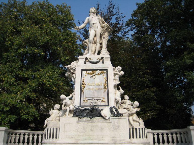 Mozart Monument - Vienna