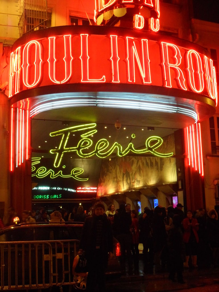 At Moulin Rouge! (En el Molino Rojo) - Paris
