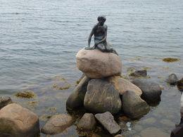 Monumento Nacional La Sirenita en Langelinie Copenhagen, Dinamarca , Luz M. P - June 2015