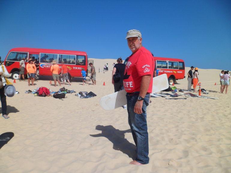 Une petite descente pas tr�s concluante en planche dans les dunes. - Sydney