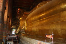 The Reclinig Buddha which has to be seen to be believed , tony.hamer88 - April 2017