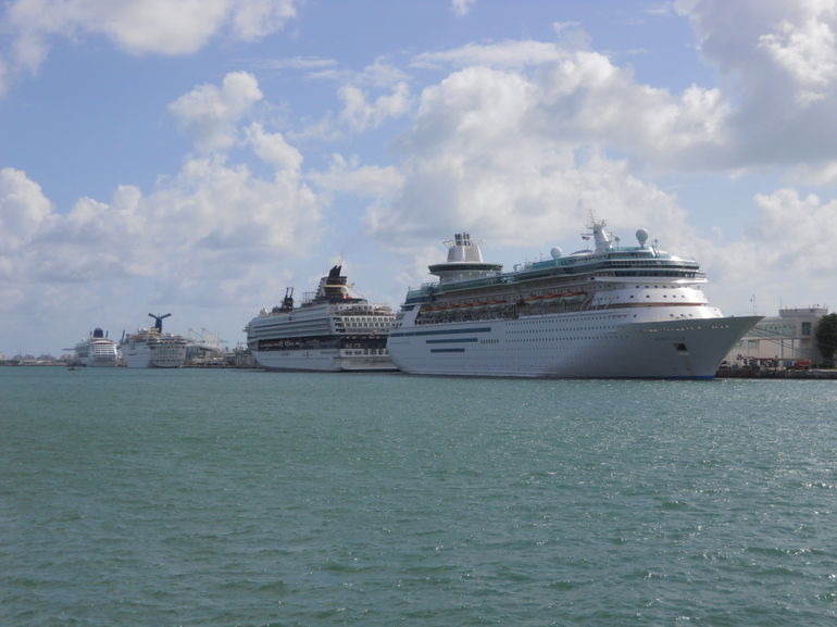 Cruise ships in Miami - Miami