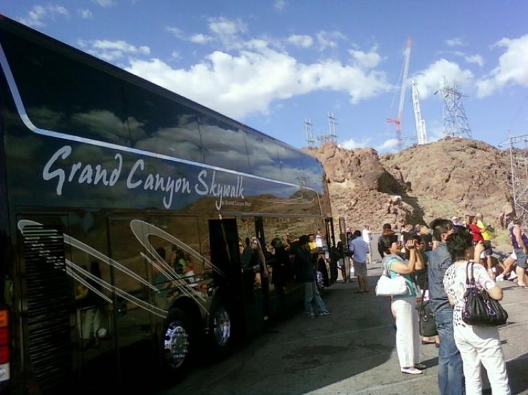 Everybody gettin off to take pics - Las Vegas