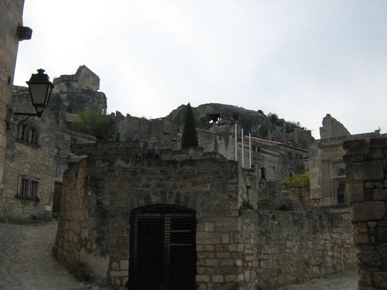 les-baux-monuments-historiques