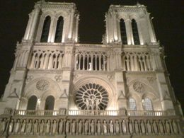 Notredame at night, GUSTAVO B - August 2010