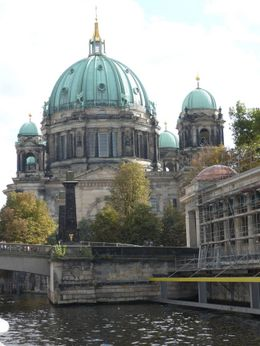 Our tour took us right underneath the bridge beside this beautiful old cathedral., David C - October 2009