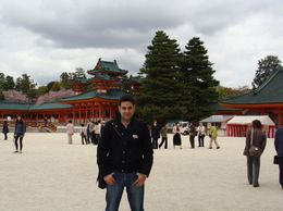 Heian Shrine - historical sightseeing, fantastic place, Mohamed A - April 2010