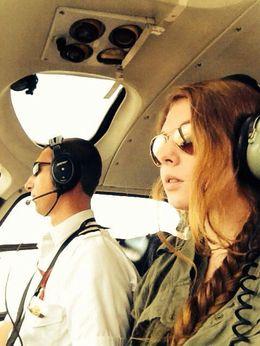 Meine Nichte Hannybunny mit ihrem Piloten beim NY-Überflug. Beide voll konzentriert. , stehgeiger - November 2013
