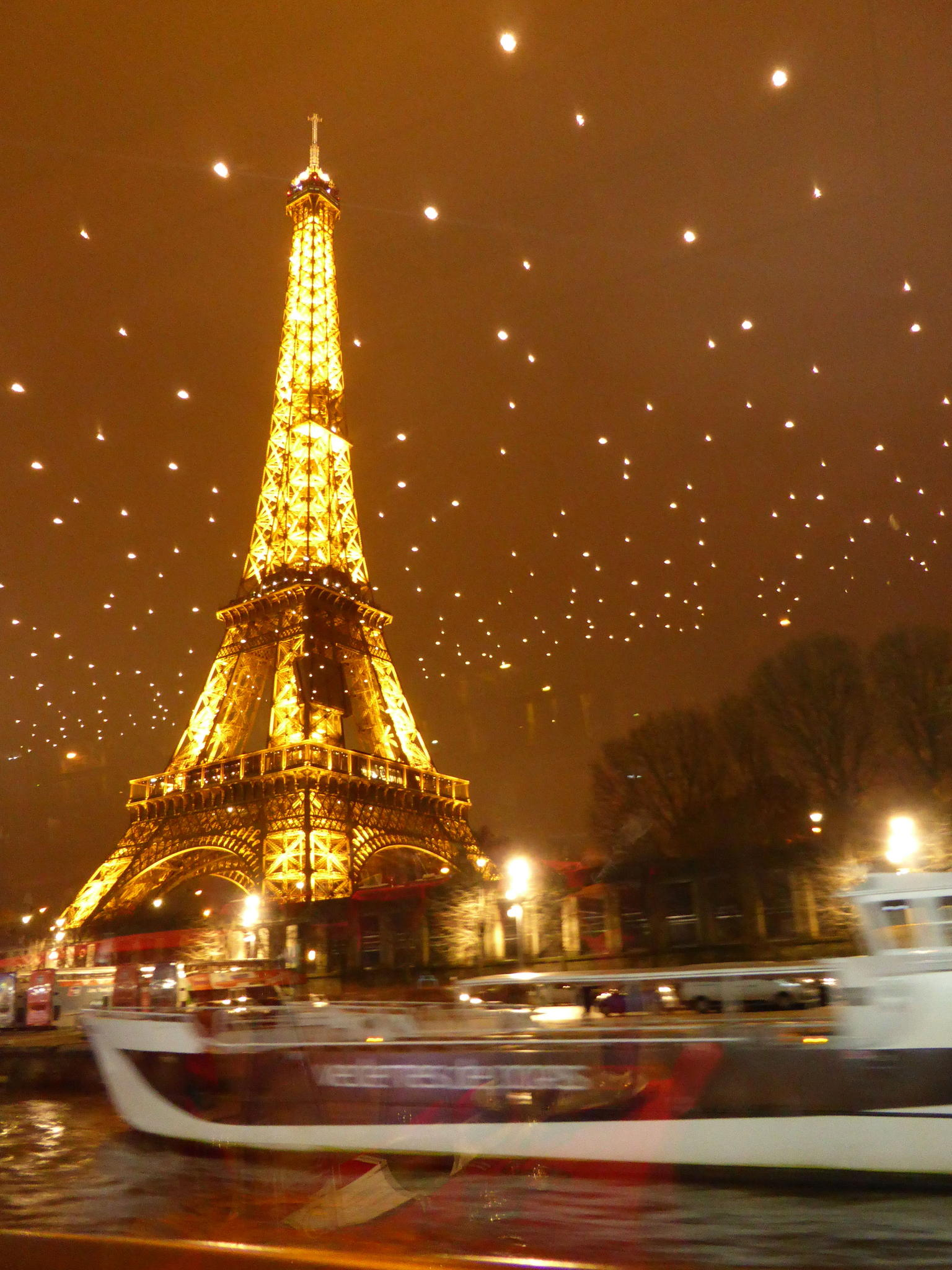 MORE PHOTOS, Bateaux Mouches Seine River Paris by Night Dinner Cruise with Live Music