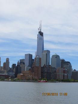 Det nye world trade center,rejser sig smukt over Manhattan , Majken Wede A - May 2013