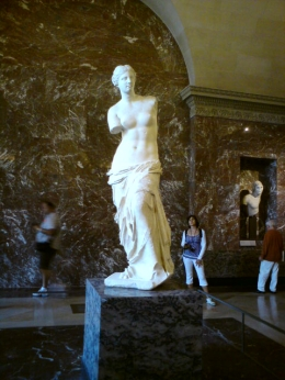 Aphrodite (venus de milo),The Louvre, Tracey P - September 2010