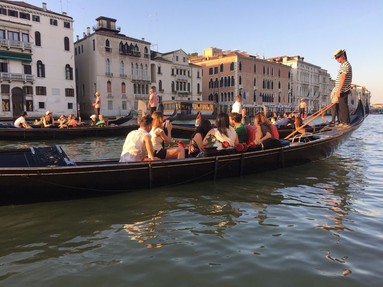 Venice Gondola Ride and Serenade with Dinner photo 24