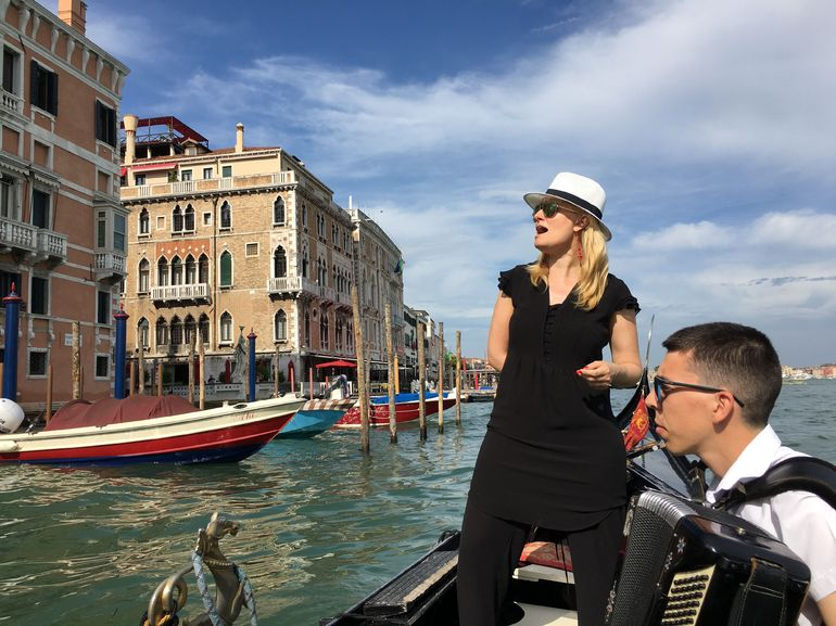 Private Tour: Venice Gondola Ride with Serenade photo 16