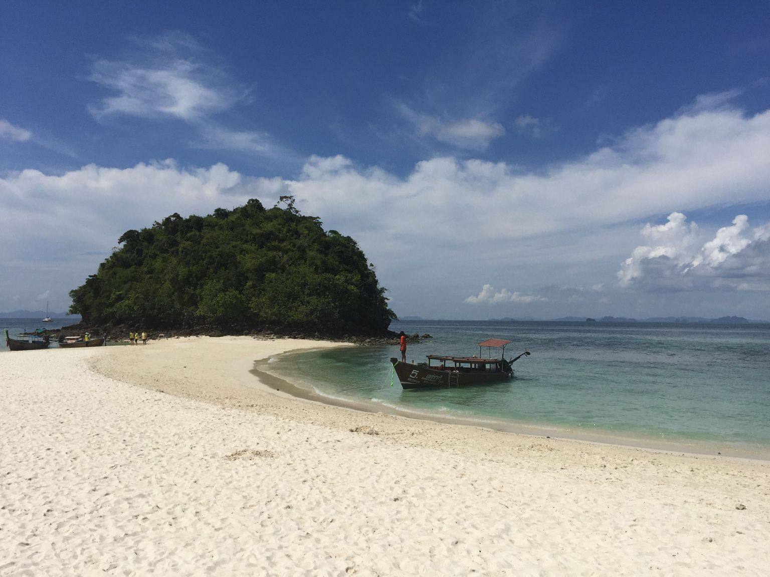MÁS FOTOS, Excursión por 4 islas para ver un mar espectacular dividido en lancha motora o en barco de cola larga desde Krabi