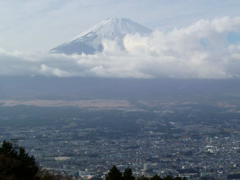 Valley + Fuji - Tokyo