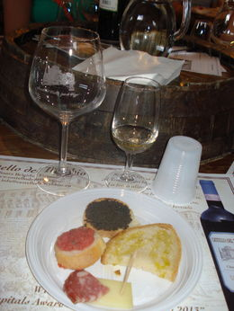 Adoramos os petiscos, o azeite e o vinho! , Mariana M - July 2013