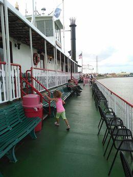 Minha filha adorou o passeio, nunca andou em um barco grande como esse, ela se sentiu no desenho da Princesa Tiana. , Priscila X - July 2015