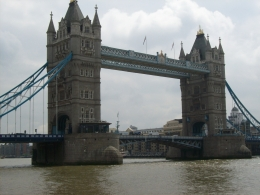London's most recognizable bridge., Thomas W - June 2010