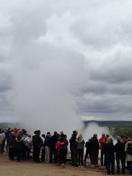 This amazing geyser erupts every 5 to 7 minutes! You can feel the heat and smell the sulphur up close! , Dianne E - August 2015