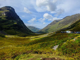 Short hike through the evocative Glencoe valley , Debashree M - December 2015