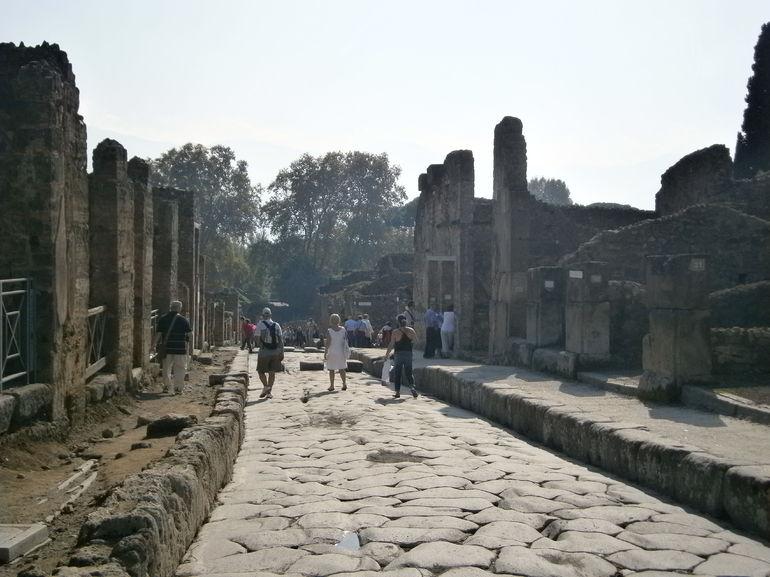 Main Street, Pompeii - Naples