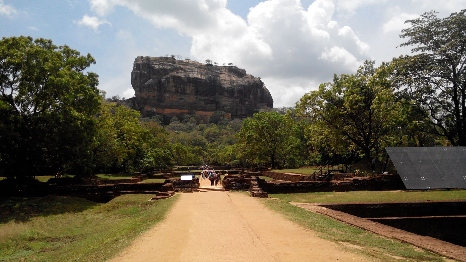 MÁS FOTOS, All-Inclusive Sigiriya Rock Fortress and Dambulla Cave Temples Private Day Trip