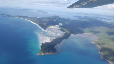 Reef And Island Scenic Flight From Airlie Beach With Prices  Airlie Beach