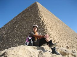 At my back is the biggest Pyramid of Giza, Cairo - December 2008
