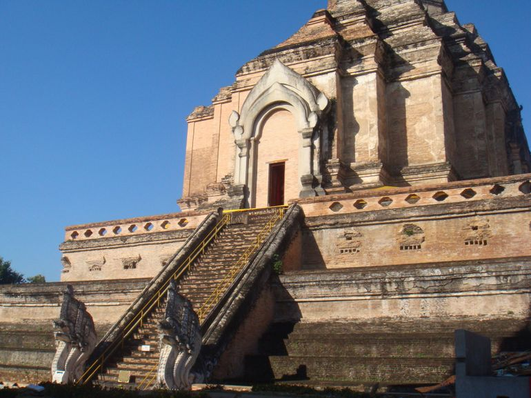 Chiang Mai City and Temples Half-Day Tour photo 10