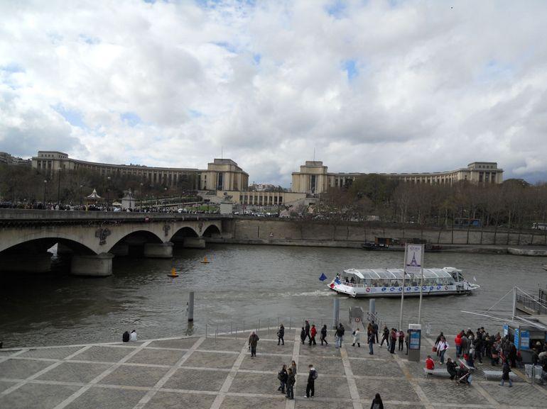 Cruise View - Paris