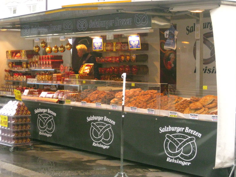 Food stall in the market. - Vienna