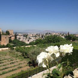 En härlig sommardag med utsikt över Granada från Generalife-trädgårdarna. , Anne H - June 2016
