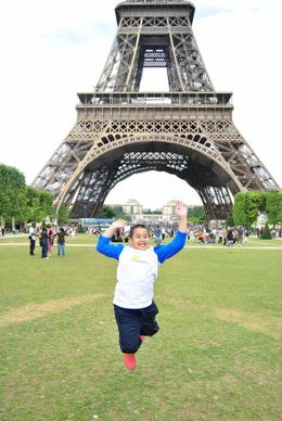 Anjas was very excited... he loves Paris sop much..., Prijono A - August 2010