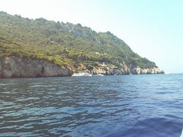 Approaching Blue Grotto. - August 2008