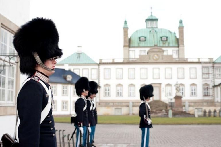 Guard at Fredensborg Palace - Copenhagen