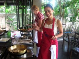 Baipai Thai Cooking School Class in Bangkok, Asha & Brock - July 2013