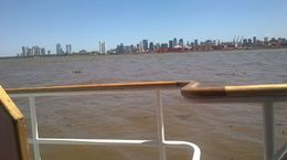 Navegando por el Río de la Plata , amarillo - February 2016