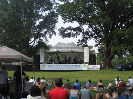 Free live music in the park on Saturday afternoons , clairemc - August 2011