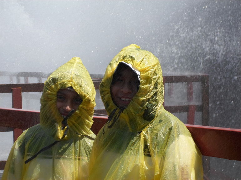 Sons taking shower on Hurricane Deck - Niagara Falls
