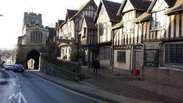 Uno de los sitios que no verás si te quedas solo en Warwick Castle. El pueblo de Warwick merece mucho la pena y la catedral de St. MAry es preciosa. , Edurne L - January 2014