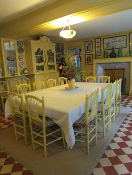 16 chairs in this photo, room for plenty at this spacious table. Love it! , Elizabeth R - December 2017