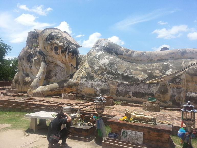 Giant reclining Buddha - Bangkok