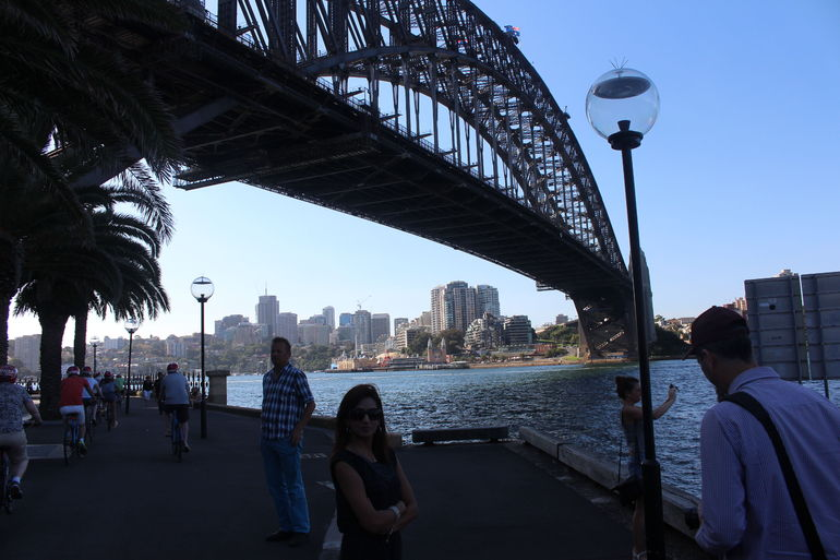 Morning or Afternoon Highlights Tour in Sydney with a Local Guide