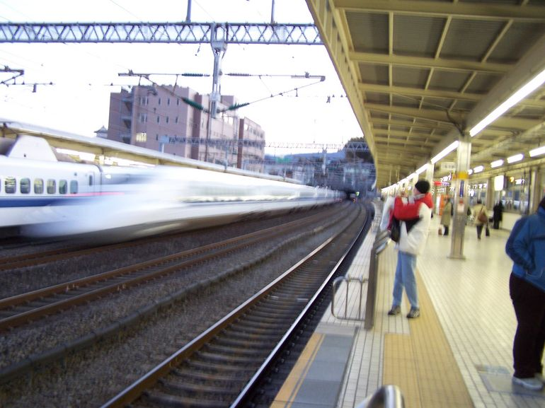 The speed of the Shinkansen - Tokyo