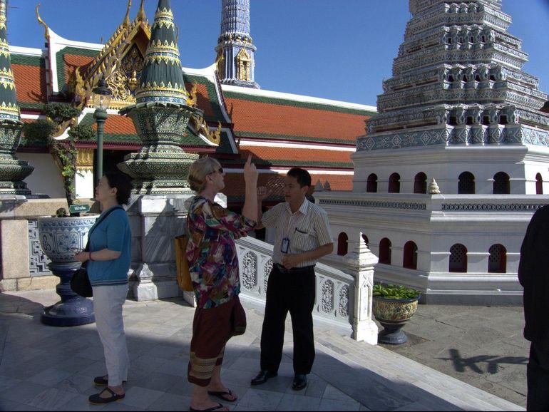 Wat Phra Kaew Tour - Bangkok