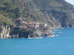 This town was perched on a cliff. , Diane G - September 2011