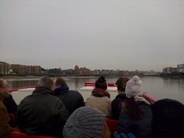 C'est le premier bateau où la moitié des passagers brave les intempéries en pleine semaine de Noël. Définitivement pas un bon souvenir. , Nathalie O - January 2015
